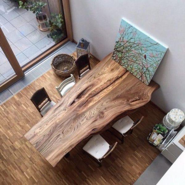 Обеденный стол из слэба дерева