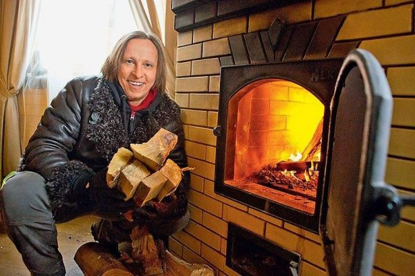 Печка в дачном доме актера Охлобыстина