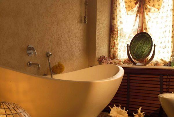 Использование эластичной штукатурки в ванной комнате