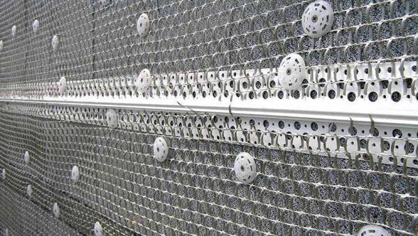 Монтаж металлической сетки под штукатурку