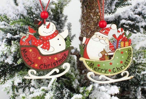 Деревянные игрушки Санта Клаус и снеговик на елке