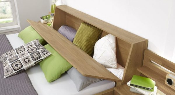 Кровать с ящиком для подушек в изголовье