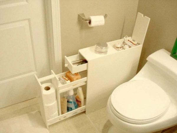 Узкий комод в ванной