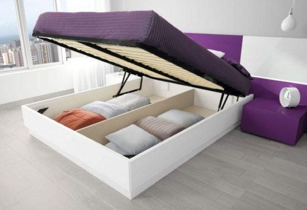 Двуспальная кровать с местом для хранения
