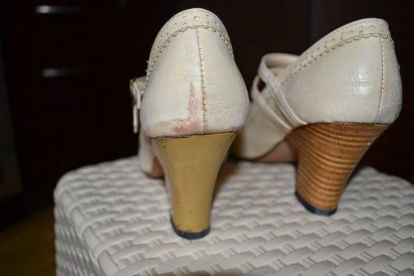 Покраска каблука на туфлях