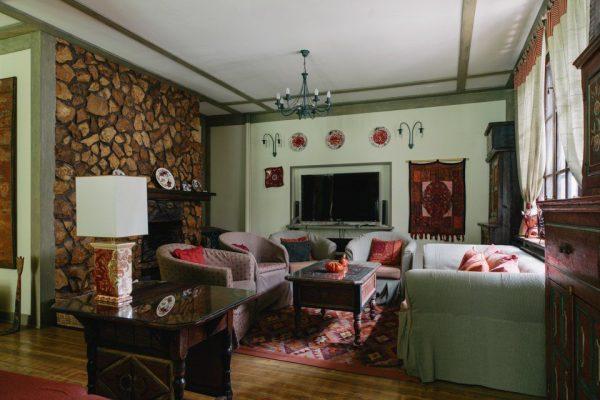 Гостиная в особняке Парфенова