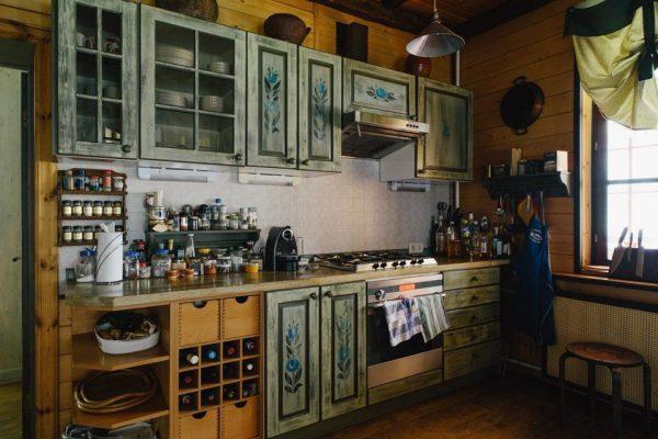 Интерьер кухни в доме Парфенова