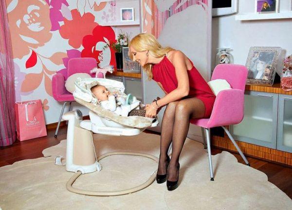 Кристина Орбакайте с маленькой дочкой