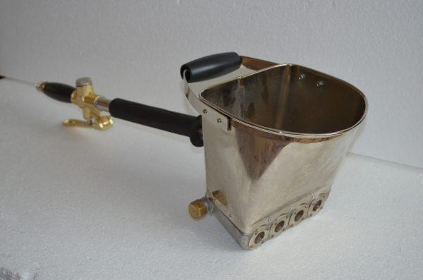 Хоппер-ковш для нанесения штукатурного состава