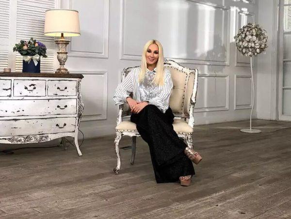 Интерьер гостиной в московской квартире