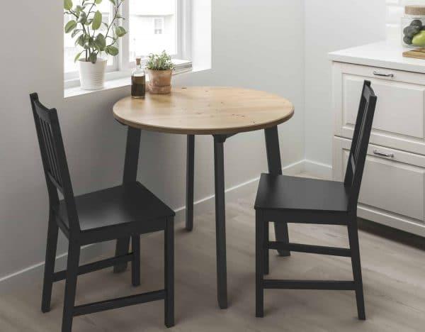 Исползование круглого стола в малогабаритном кухонном помещении