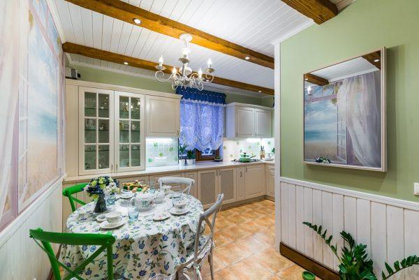 Оформление кухни в загородном доме