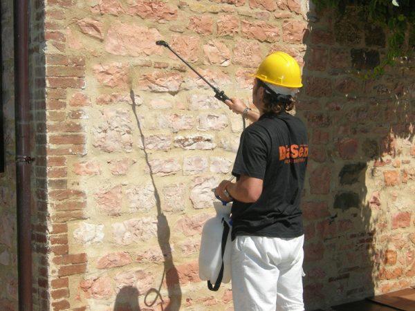Подготовка к оштукатуриванию стен