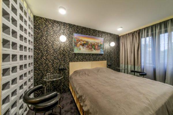 Спальня Качаловых: вид на кровать