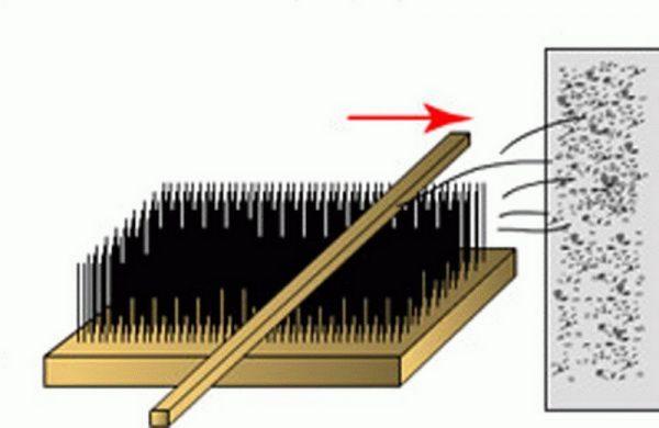Применение щетки для нанесения штукатурки шуба