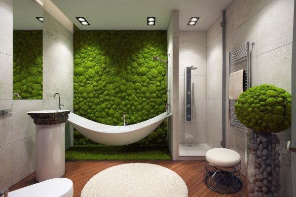 Искусственная трава на стене в интерьере ванной