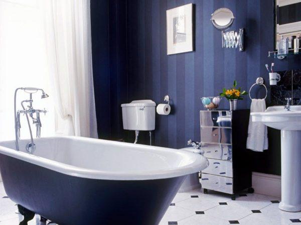 Ванна в бело синих тонах