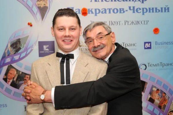 Александр Панкратов-черный с сыном