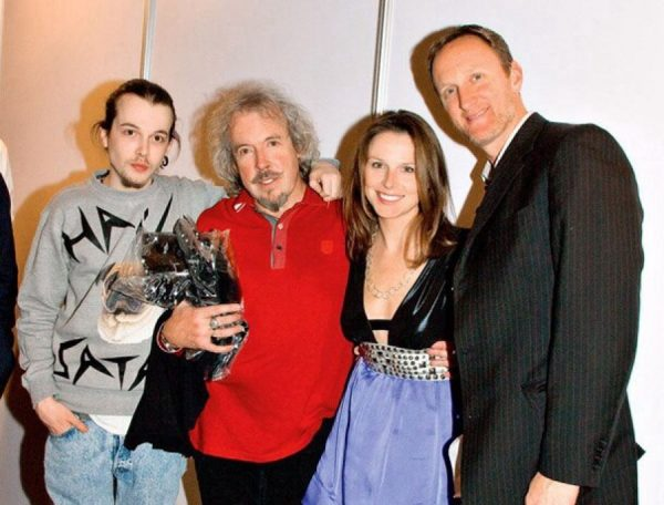 Андрей Макаревич с сыном и дочерью
