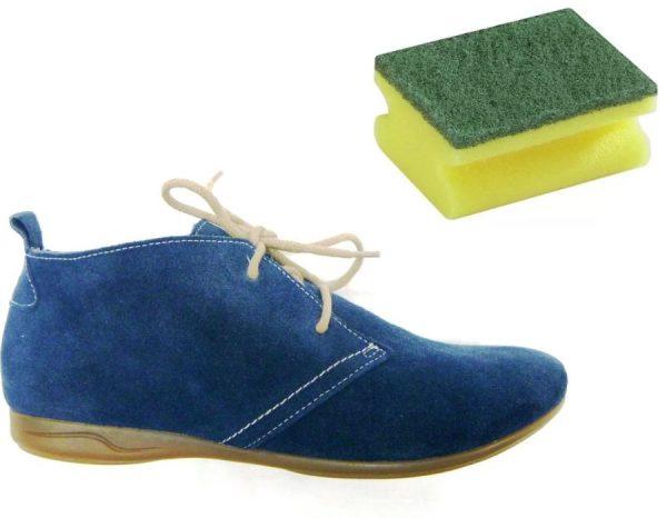 Чистка замшевой обуви поролоновой губкой
