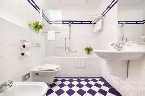 Белая плитка в ванной комнате дизайн