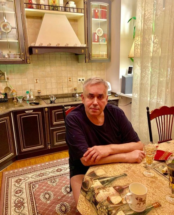 Кухня в квартире Садальского