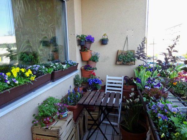 Вещи на балконе