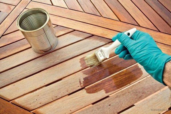 Покраска деревянной поверхности