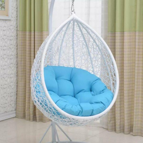 Подвесное кресло из ротанга