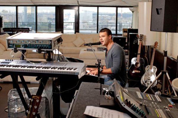 Музыкальная студия в квартире Эмина