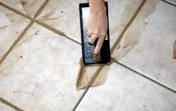 Использование затирки на цементной основе