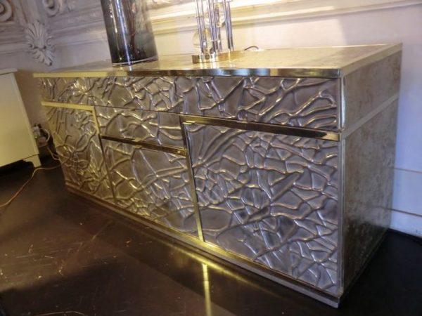 Мебель с покрытием Жидкий металл