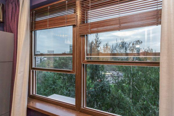 Окна с вертикальным открыванием