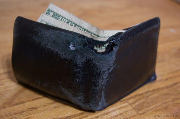 Порванный кошелек