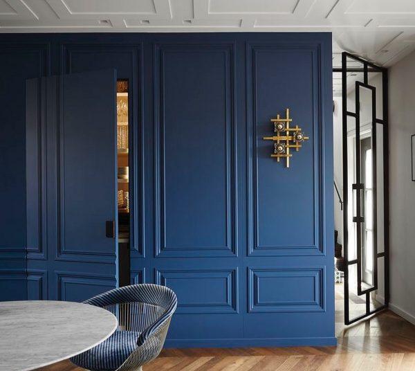 Потайная дверь в гардеробную
