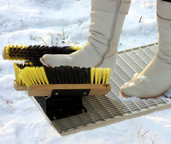 Приспособление для чистки обуви
