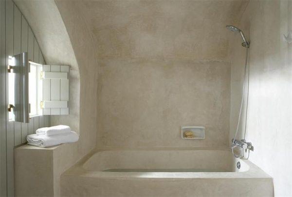 Санирующая штукатурка в ванной