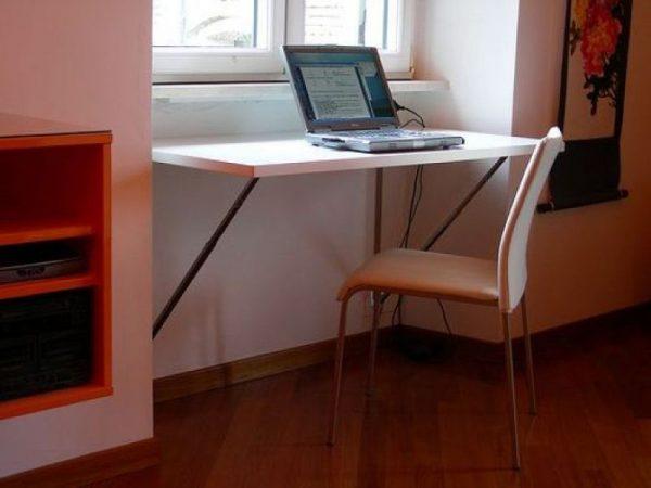 Откидной столик к подоконнику