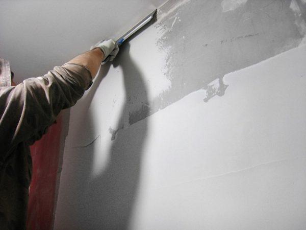 Шпаклевание стен перед покраской