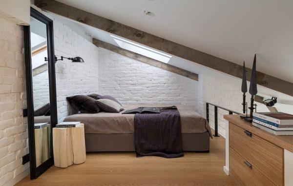 Маленькая спальня на мансарде в стиле Лофт