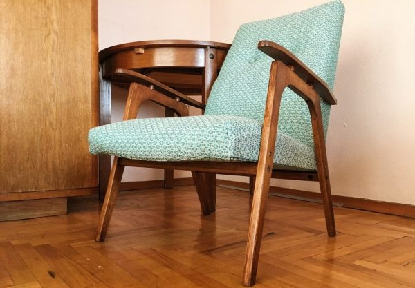 Старое советское кресло