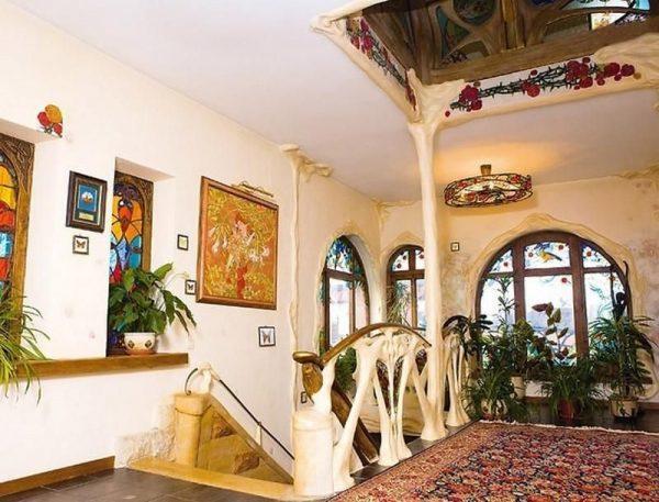 Роскошный особняк Вики Цыгановой