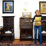 Виктория в своем доме