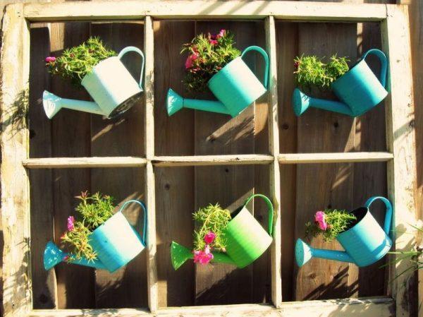 Кашпо для цветов из старых оконных рам