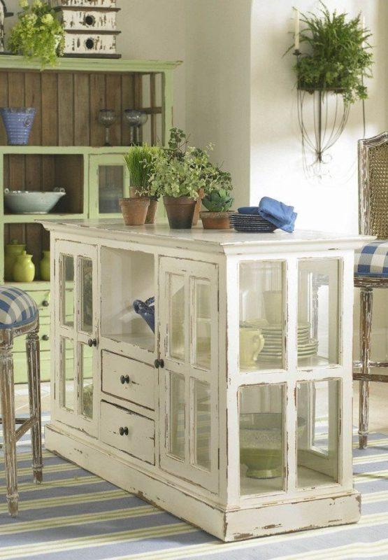 Кухонный шкаф из оконных рам