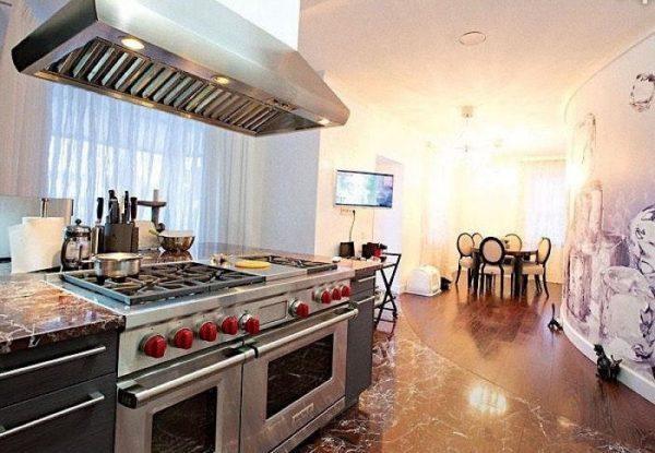 Кухня в особняке Успенской