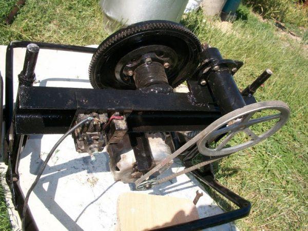 Двигатель с приводным механизмом