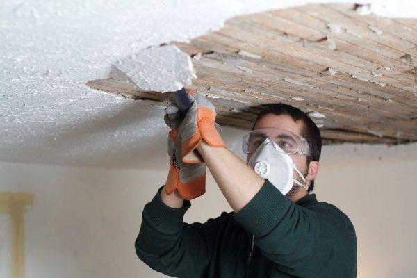 Удаление шпаклевки с деревянной поверхности