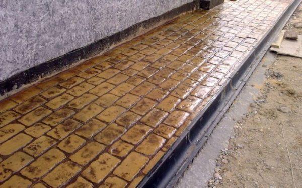 Отмостка из печатного бетона