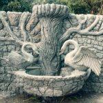 Цементный декор на заборе
